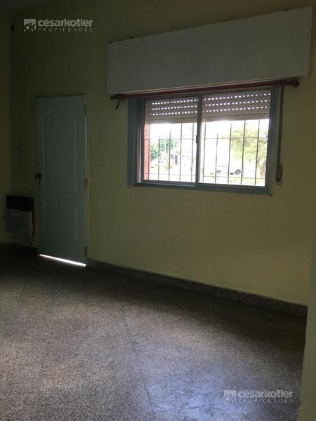 Foto Departamento en Venta en  Temperley Este,  Temperley  Lautaro 599, esq. Rubén de Rosa