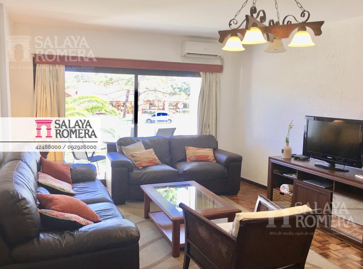Foto Departamento en Alquiler temporario en  Aidy Grill,  Punta del Este  Entorno tranquilo, 2 dormitorios, balcon, cochera, RECICLADO!