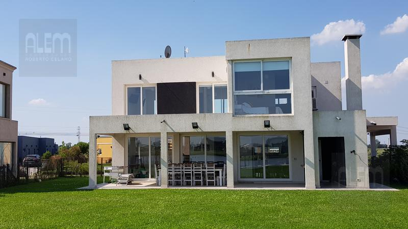 Foto Casa en Venta en  Country Santa Rita,  Countries/B.Cerrado (San Vicente)  Santa Rita