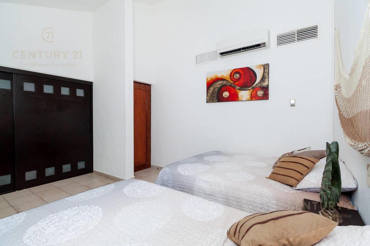 Fraccionamiento Playacar Fase II Apartment for Rent scene image 13