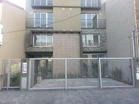 Foto Departamento en Venta en  Haedo,  Moron  Rivadavia, Av. 15779 5to B