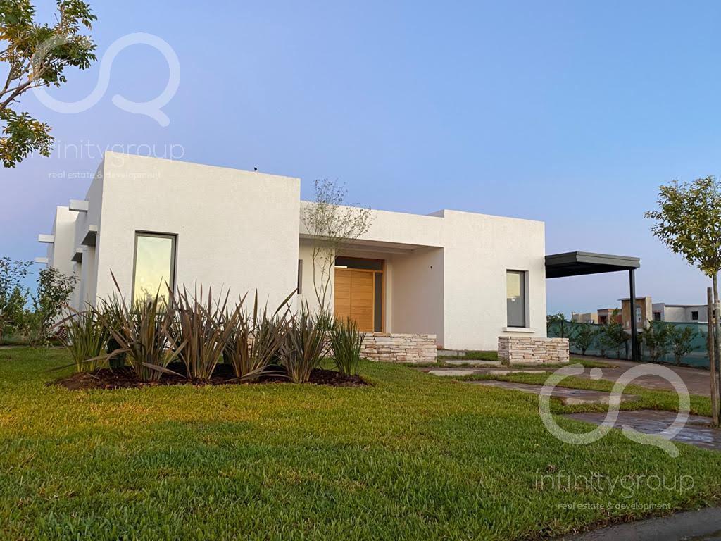 Foto Casa en Venta en  El Canton,  Countries/B.Cerrado (Escobar)  Casa Al Lago El Canton - Norte al 100