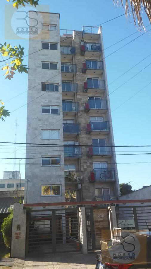 Foto Departamento en Venta en  Moron ,  G.B.A. Zona Oeste  Sucre al 200