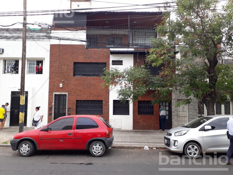 Velez SArfield al 1000, Rosario, Santa Fe. Venta de Casas - Banchio Propiedades. Inmobiliaria en Rosario