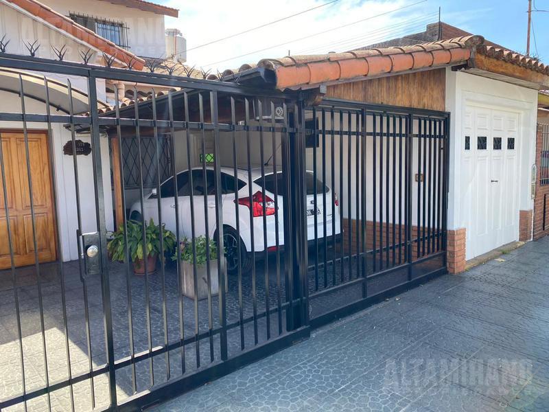 Foto Casa en Venta en  San Andres,  General San Martin  Domingo F. Sarmiento al 2200 entre San juan y Corrientes