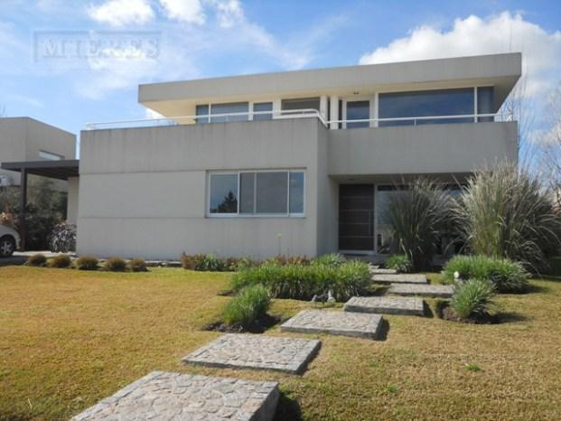 Casa de 314 mts. en La Lomada