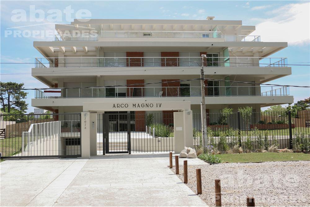 Foto Apartamento en Alquiler en  Carrasco ,  Montevideo  Av. Italia y Dr. Alfredo Giribaldi