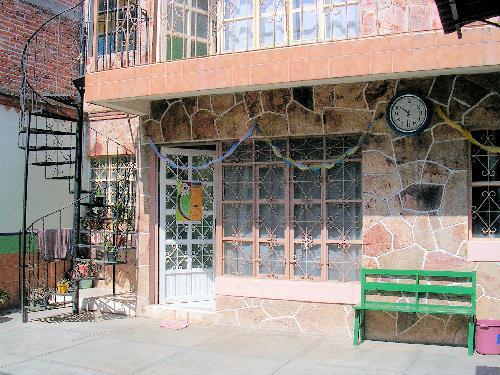 Foto Local en Renta en  Adolfo Lopez Mateos,  Tequisquiapan  Propia para escuela, kinder, guardería, oficinas, casa-habitación