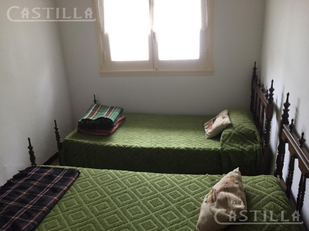 Foto Casa en Alquiler temporario en  Miramar ,  Costa Atlantica  Miramar