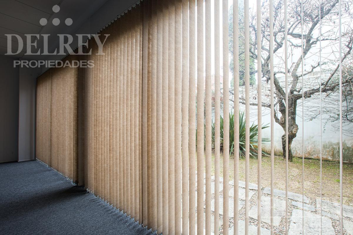 Foto Oficina en Alquiler en  Carrasco ,  Montevideo  Arocena y Otero próximo