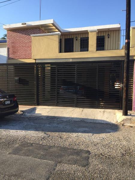 Amplia casa en venta de 5 recamaras en Fracc. San Damián.
