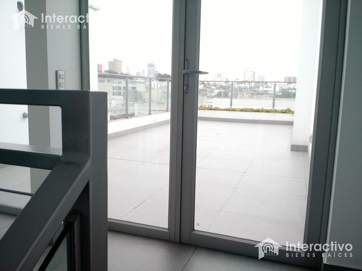 Foto Departamento en Venta en  San Isidro,  Lima  Cerca a Dasso, Golf, El Olivar -  Triplex Penthouse tipo Loft