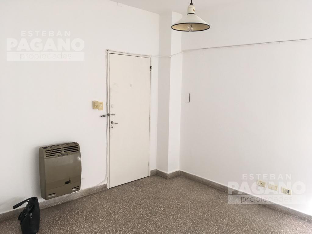 Foto Departamento en Venta en  La Plata ,  G.B.A. Zona Sur  37 e 4 y 5 N° 479 2do