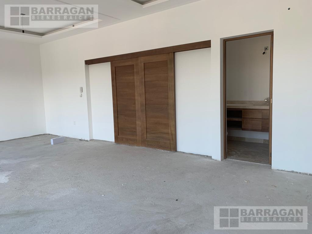 Foto Casa en Venta en  Fraccionamiento El Campanario,  Querétaro  ESTRENA!! Casa Nueva en El Campanario, Querétaro