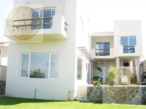 Foto Casa en Venta en  Barrio San Juan,  Tequisquiapan  Encantadora residencia con vista panorámica