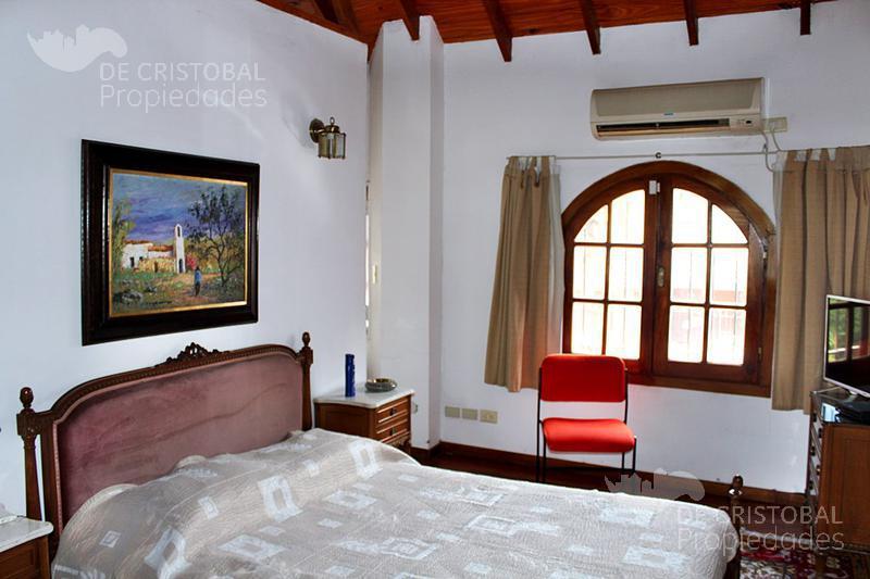 Foto Casa en Venta en  Olivos-Golf,  Olivos  Ruben Darío al 2800