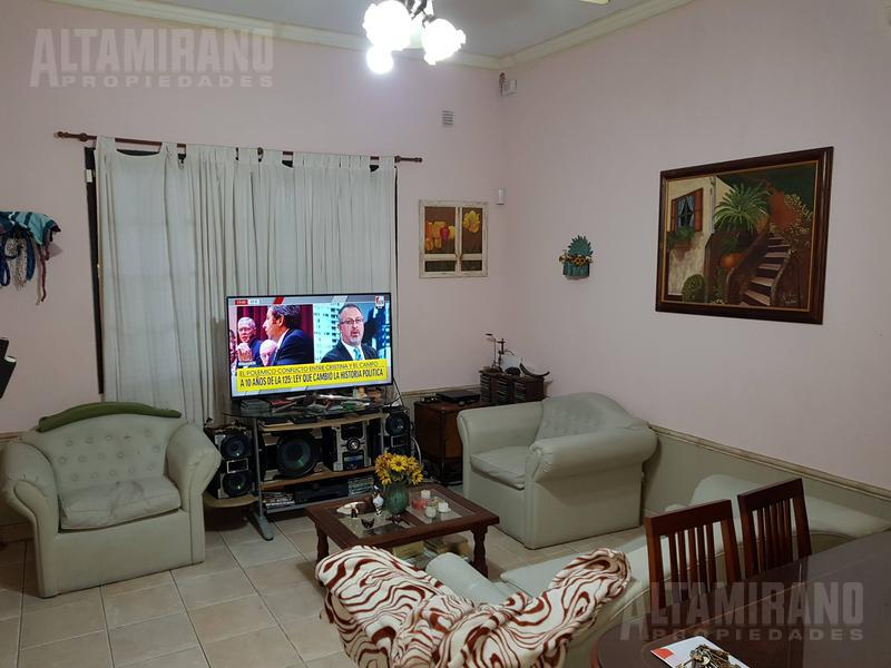 Foto PH en Venta en  Villa Ballester,  General San Martin  Republica al 5500
