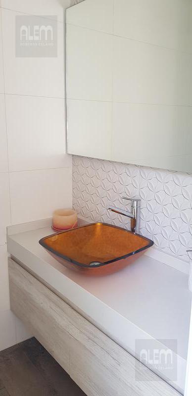 Foto Casa en Venta en  Ezeiza,  Ezeiza  El Ombu