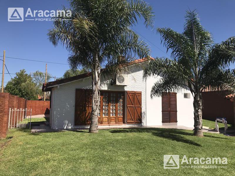 Foto Casa en  en  Ezeiza ,  G.B.A. Zona Sur  Juan B. Justo y B. Roldan al 100 - Barrio Uno