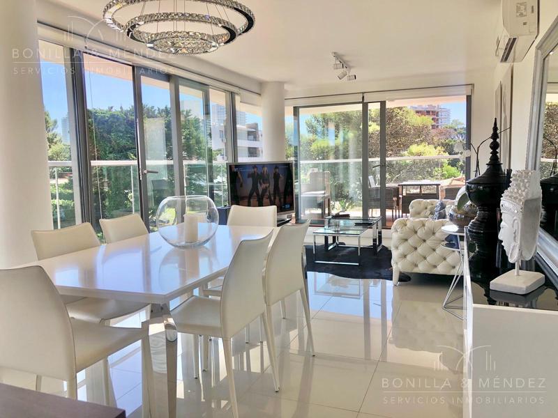 Foto Apartamento en Venta en  Aidy Grill,  Punta del Este  Lenguas de Diamante y Vaz Ferreira