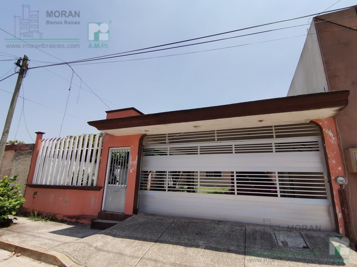Foto Casa en Venta en  Puerto México,  Coatzacoalcos  Cuauhtemoc No. 2311, Colonia Puerto México, Coatzacoalcos, Ver.