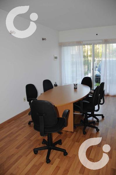Foto Oficina en Alquiler en  Carrasco ,  Montevideo  Oficina por mes en Carrasco