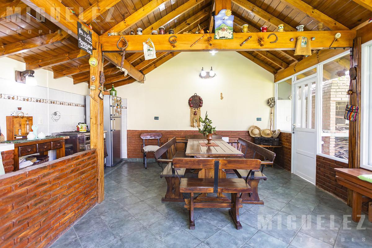 Foto Casa en Venta en  Temperley,  Lomas De Zamora  VENTA CASA MULTIFAMILIAR TEMPERLEY CHURRINCHE 1977