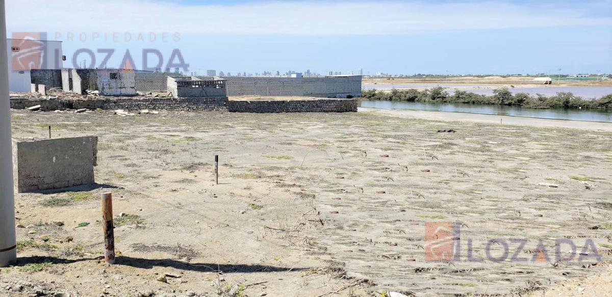 Foto Terreno en Venta en  Brisas de Mar Bravo ,  Salinas  Terreno para laboratorio de larvas en Mar Bravo Salinas