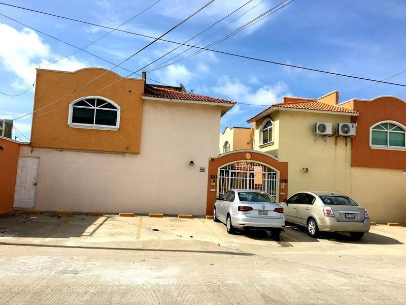 Foto Casa en Venta | Renta en  Puerto México,  Coatzacoalcos  Casa en Venta, Juventino Rosas, Col. Puerto México