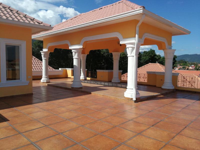 Foto Casa en condominio en Renta en  Villas Mackey,  San Pedro Sula  Hermosa y amplia casa en renta en Res. Puerta del Sol