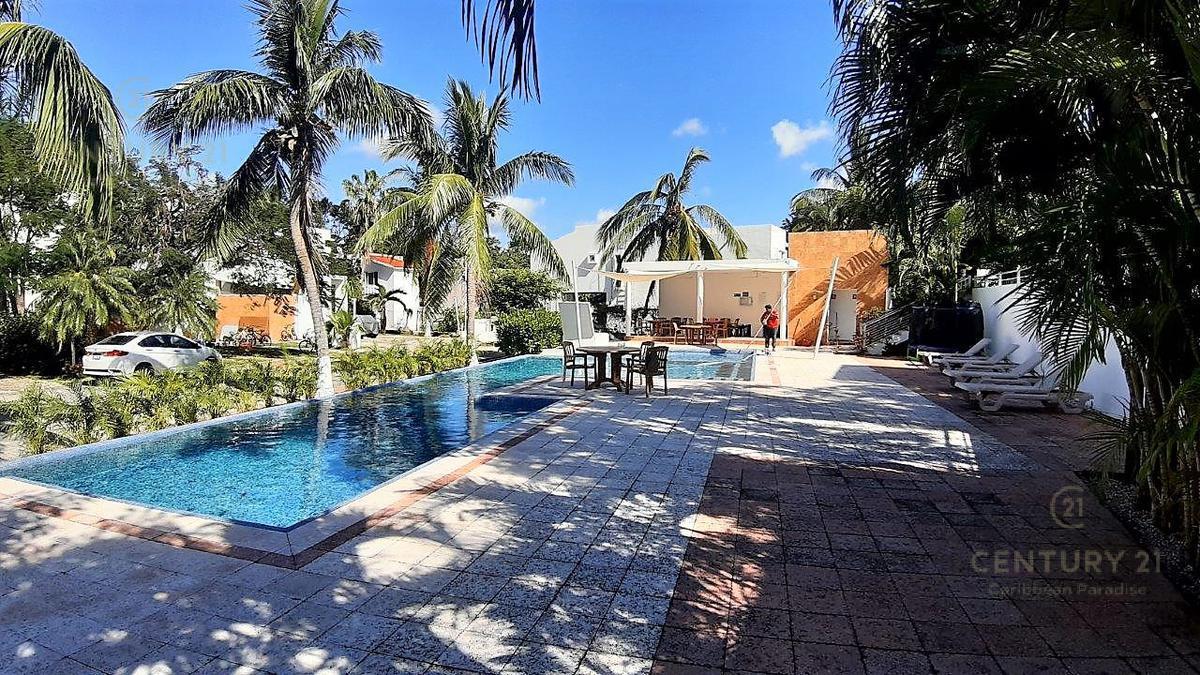 Fraccionamiento Playacar Fase II House for Sale scene image 31