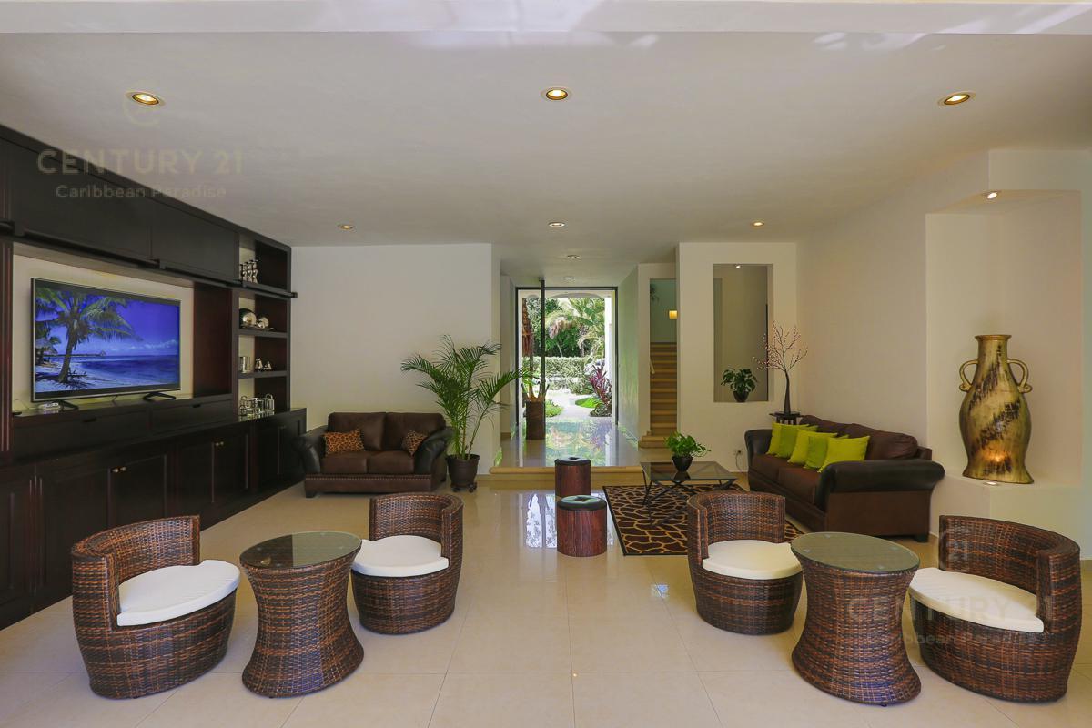 Playa del Carmen House for Sale scene image 3