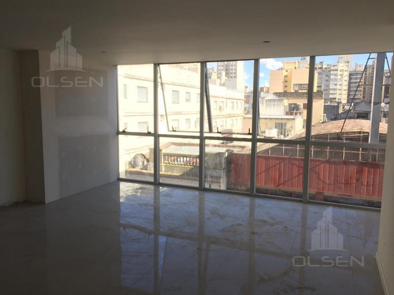 Foto Oficina en Venta en  Centro,  Cordoba  Oportunidad!-Oficina amplia y luminosa -Excelente ubicación - Amenities- centro- La Rioja