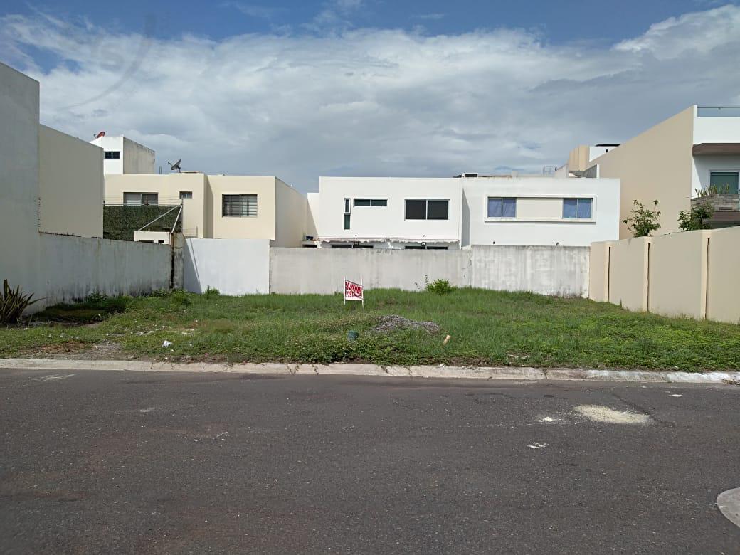 Foto Terreno en Renta en  Fraccionamiento Lomas del Sol,  Alvarado  Terreno de 350 m2 en venta en Fracc. Lomas del Sol. RIVIERA VERACRUZANA
