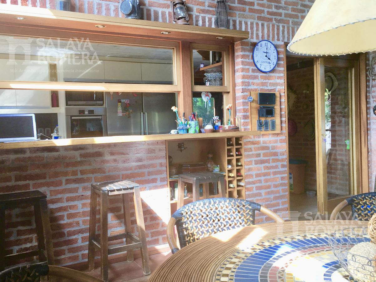 Foto Casa en Venta en  Cantegril,  Punta del Este  PUNTA DEL ESTE - BARRIO CANTEGRIL