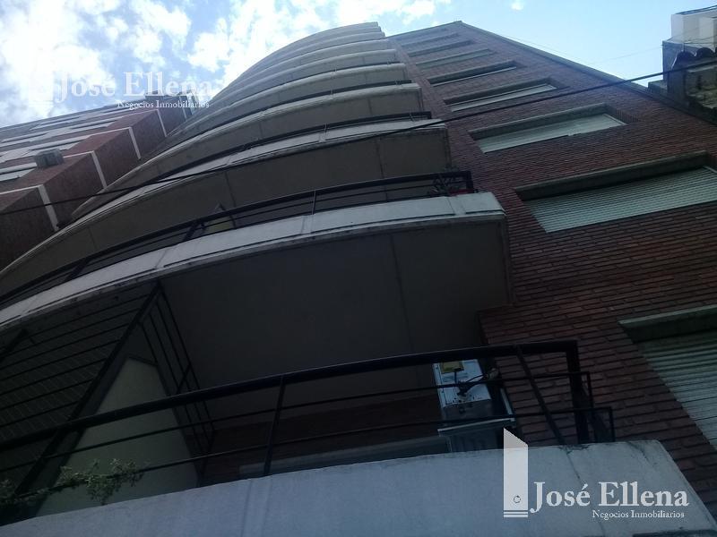 Foto Departamento en Venta en  Macrocentro,  Rosario  Dorrego al 900