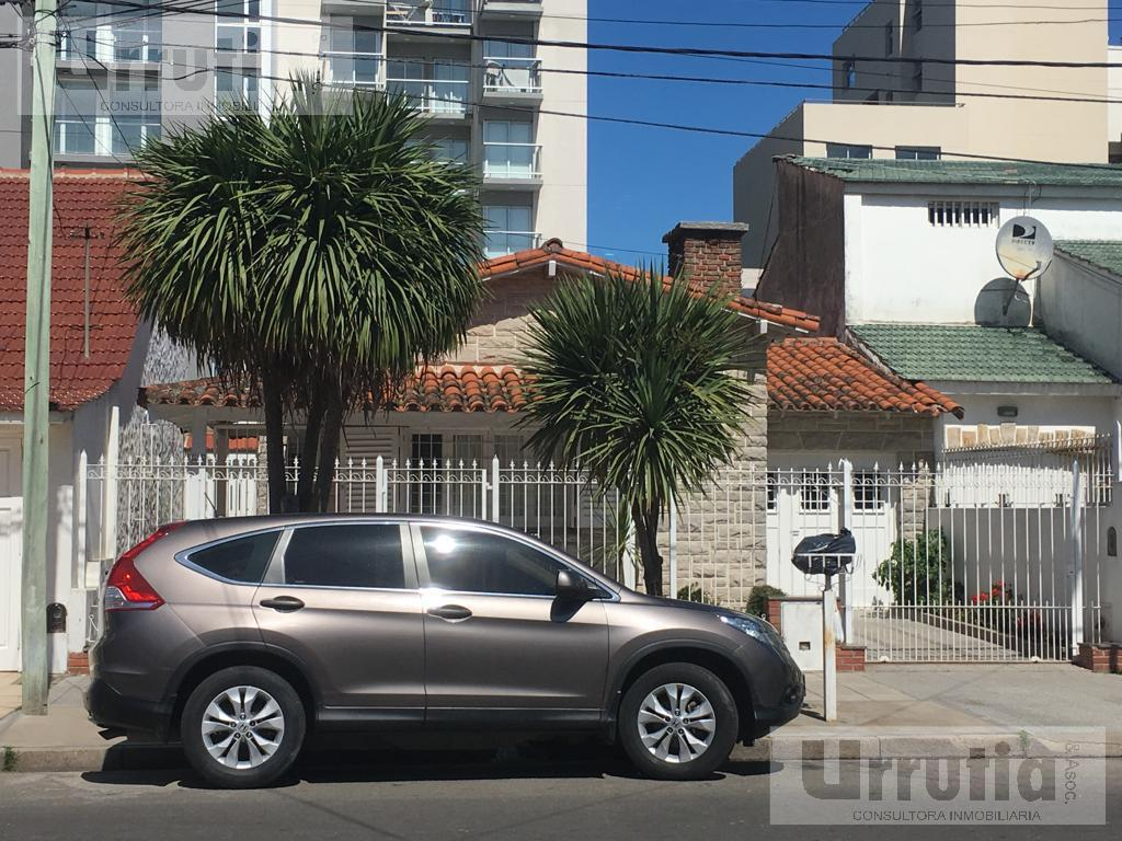 Foto Casa en Venta en  Mar Del Plata ,  Costa Atlantica  Salta al 400