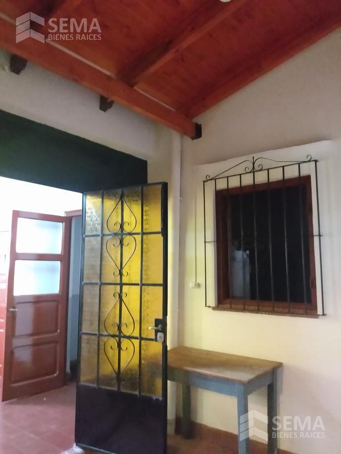 Foto Casa en Alquiler en  Zona Centro,  Salta  Alquilo Amplia oficina en Dean Funes al 800 salta capital