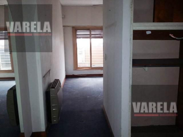 Foto Local en Venta en  Villa Luro ,  Capital Federal  Juan B. Justo  8100