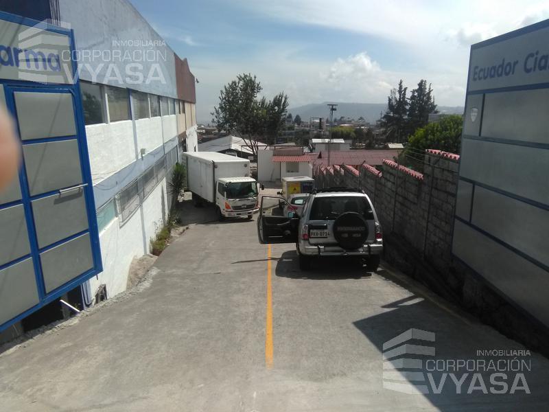 Foto Bodega en Alquiler en  Carcelén,  Quito          CARCELÉN INDUSTRIAL, BODEGA DE ARRIENDO DE 700 M2