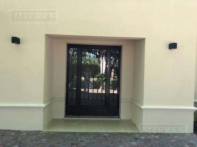 Casa de 401.21 mts2 en Ayres Del Pilar