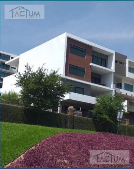 Foto Casa en Venta en  Monterrey ,  Nuevo León  CASA EN VENTA EN CARRETERA NACIONAL LAGOS DEL VERGEL.