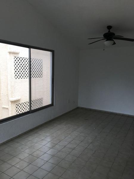 Foto Departamento en Renta en  Supermanzana 15,  Cancún  Departamento en Nichupte