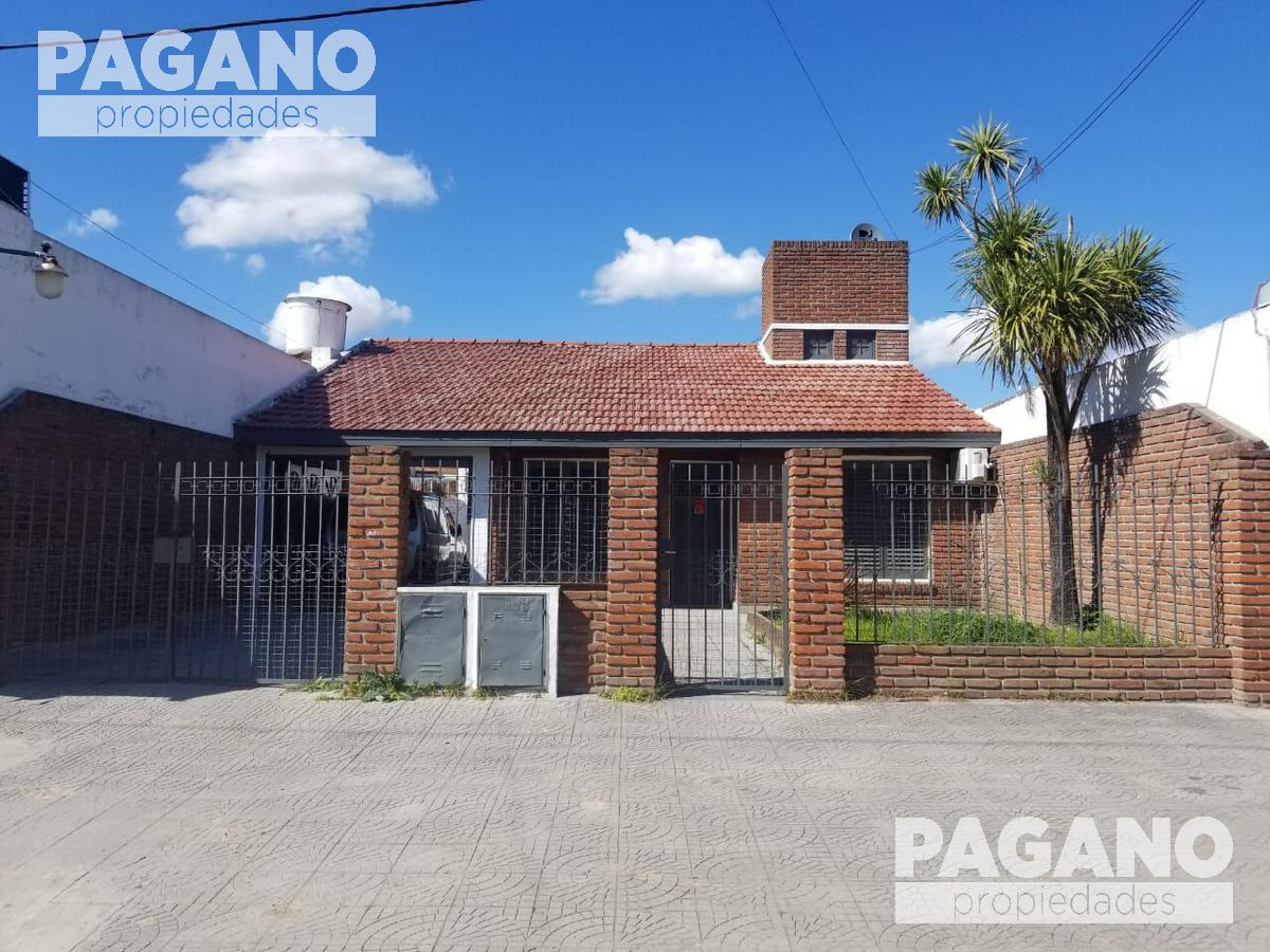 Foto Casa en Venta en  Los Hornos,  La Plata  64 entre 145 y 146