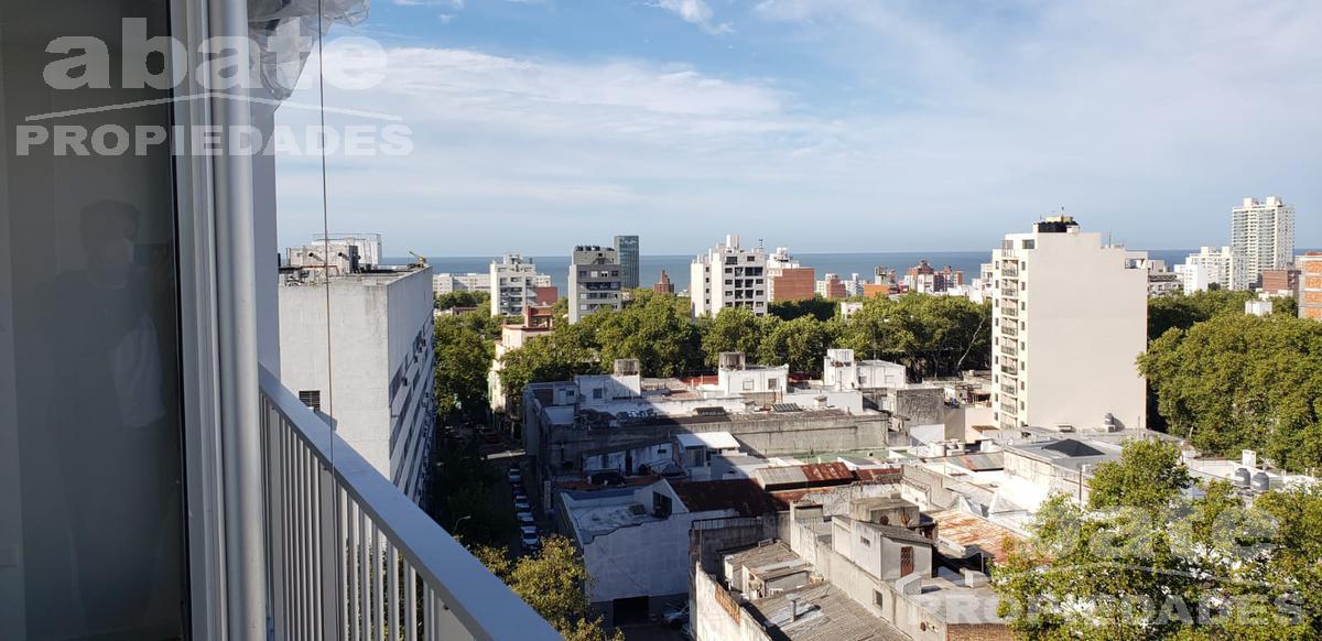 Foto Apartamento en Alquiler en  Cordón ,  Montevideo  Carlos Roxlo y Guayabos