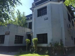 Foto Casa en Alquiler en  Banfield Oeste,  Banfield  Capello 205
