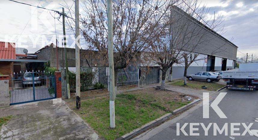 Foto Galpón en Venta en  La Plata,  La Plata  40 entre 131 y 132
