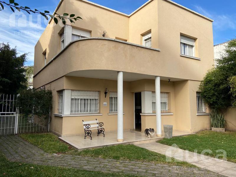 Foto Casa en Venta en  Martinez,  San Isidro          Excelente casa sobre único terreno de 589 m2 o   Venta   Martinez   Monseñor Larumbe 58