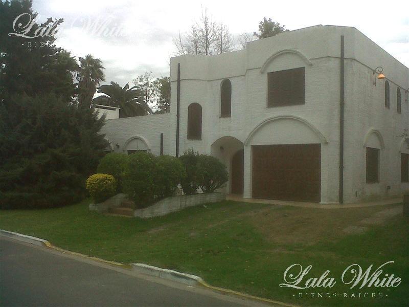 Foto Casa en Venta en  El Rodal,  Countries/B.Cerrado (E. Echeverría)  Venta - Casa en el barrio privado El Rodal