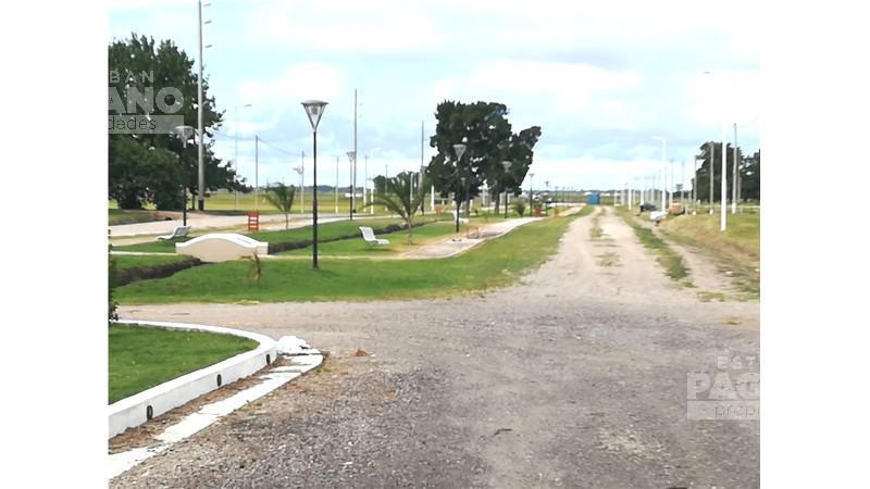 Foto Terreno en Venta en  Berisso ,  G.B.A. Zona Sur  Barrio Urbanizado Fincas La Soñada